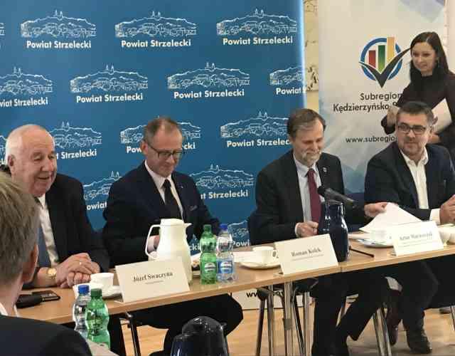 """Uroczystość podpisania aneksu do umowy o dofinansowanie projektu """"Efektywność energetyczna w budynkach publicznych Subregionu Kędzierzyńsko-Strzeleckiego"""""""